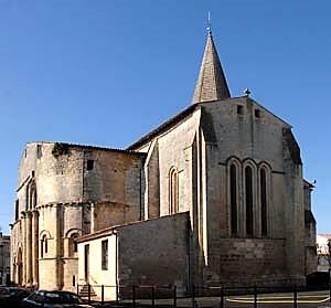 église St. Pierre de Gémozac